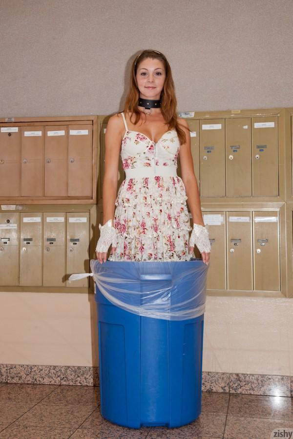 Amber Sym Trash Humper - 5